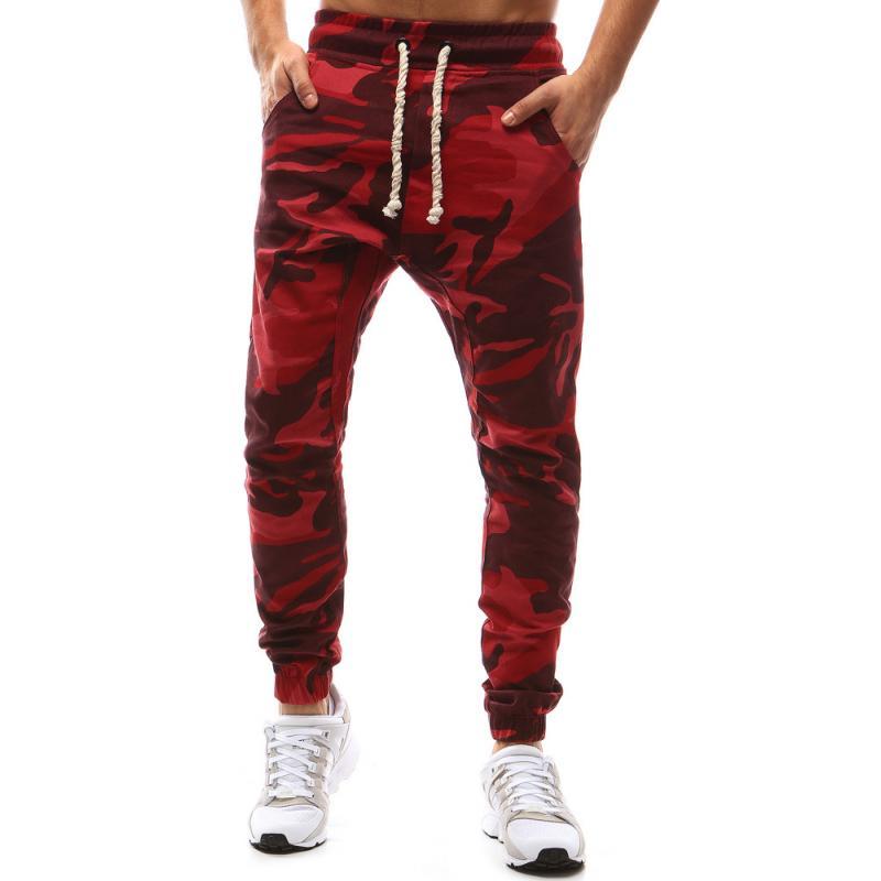 7f22d4da98 Pánské kalhoty joggery maskáčové červená